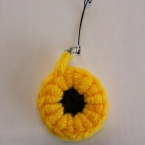 コイル編みの ひまわりストラップゥ♪