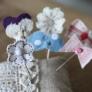 花とリボンのまち針