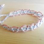 おしゃれで簡単!斜め巻き結びで作るミサンガ