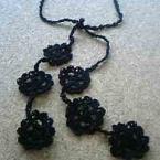 黒いお花のラリエット