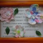 紙花のコサージュ