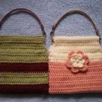かぎばり編みのペタンコばねポーチ