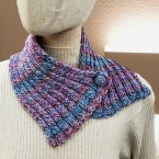 2 目ゴム編みのワンボタンマフラー