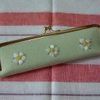 日本刺繍のペンケース