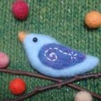 うずまきの翼の小鳥のブローチ