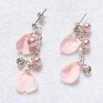 桜の花びらピアス(花びらパーツ)