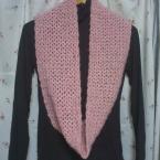 かぎ編みのスヌード