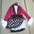 水樹奈々さん紅白衣装のコスプレ