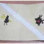 アリス刺繍の合皮のブックカバー