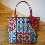 毛糸刺繍のサンプラーキルト風バッグ