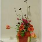 真っ赤なバレンタイン花を生ける