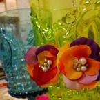 花、揺れるピアス