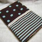 チョコミントっぽい配色のブックカバー