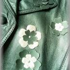 革のコートのアップリケ・リメイク