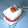 フェイスタオルで イチゴのショートケーキ