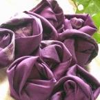古布で巻薔薇のモチーフ