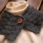 松編みのネックウォーマー