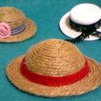 まぁるい頭のミニミニ麦わら帽子