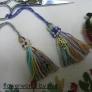 刺しゅう糸などの余り糸で作る!簡単タッセル