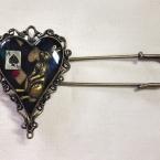 不要なネックレスのモチーフで簡単ブローチ