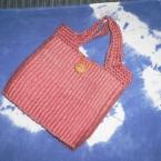 ピンクに染めた手織り麻ひもバッグ