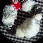 毛糸のポンポンでクリスマスリース☆