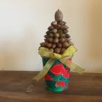 こどもと作るどんぐりクリスマスツリー