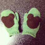 クマの手袋 ミッキー風!?